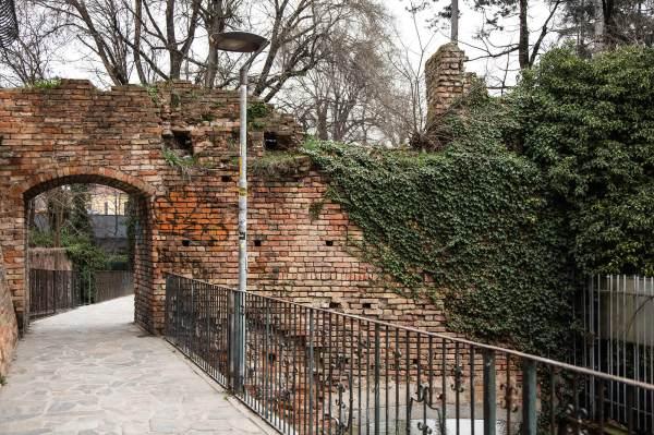 """Uno scorcio dei Giardini Pubblici a Crema (Cr), il luogo scelto da Tamara per il suo ritratto per il progetto """"Donne di Crema"""" (C)Monica Monimix Antonelli"""