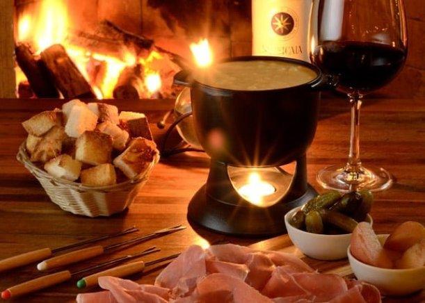 comer-fondue-de-queijo