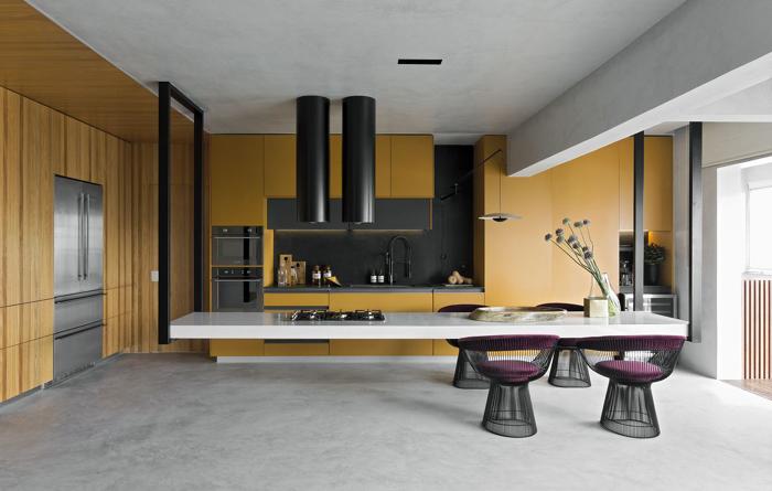 armário de cozinha mostarda