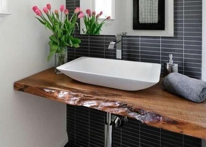 pias com tampo de madeira banheiro rustico