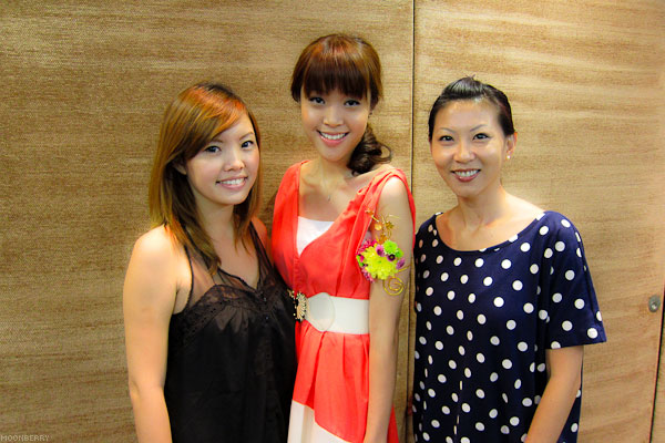 Singapore's Hottest Celebrity Blogger | Hong Kong Shopping