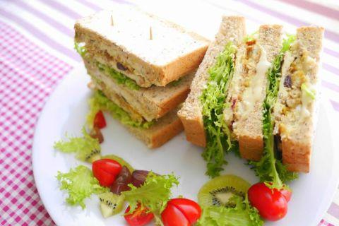 【麥片食譜】Jolyn 的微笑莓果穀麥爆漿三明治!