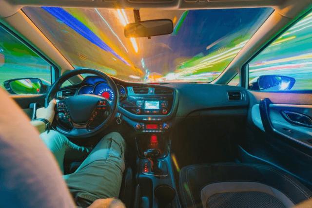 imagem de um veículo para mostrar que há muitos tipos de bateria de carro