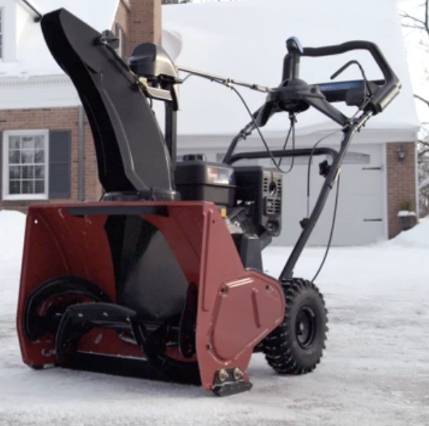 Toros new self propelled snow blower the snowmaster around providing a snowblower that could handle larger snowfalls while quickly and effectively removing small amounts of snow in order to achieve this toro sciox Image collections