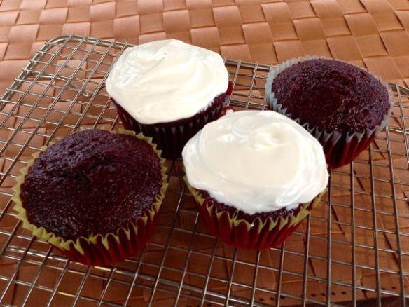 mv Archimedes Kim bakes Red Velvet cupcakes