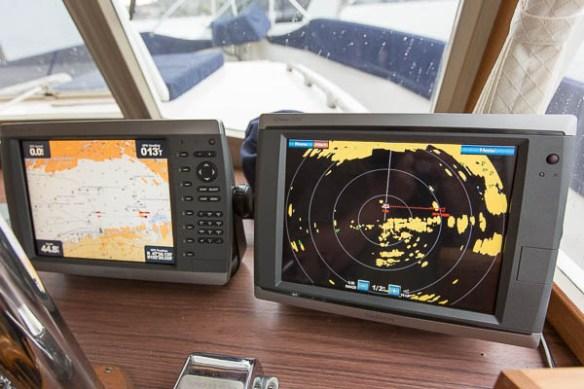 mv Archimedes Garmin 18 HD radar display 1