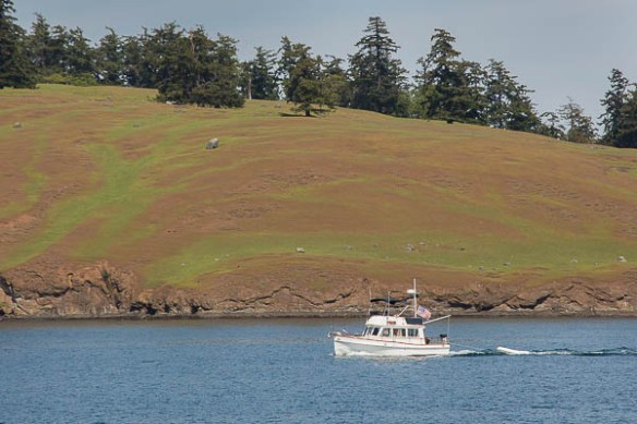 mv Archimedes Grand Banks 32 on the way to the Rendezvous