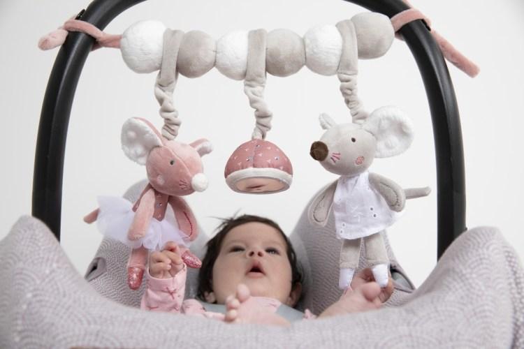Babyschalen Spielzeug für Mädchen von Tiamo