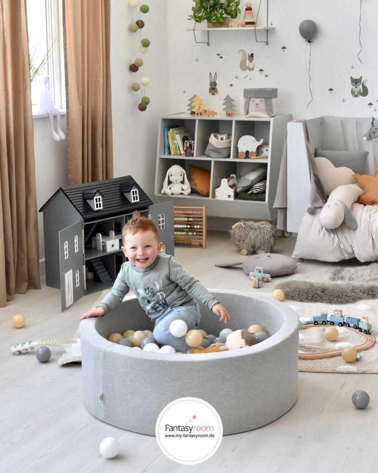 Bällebad in Grau & Beige im Kinderzimmer