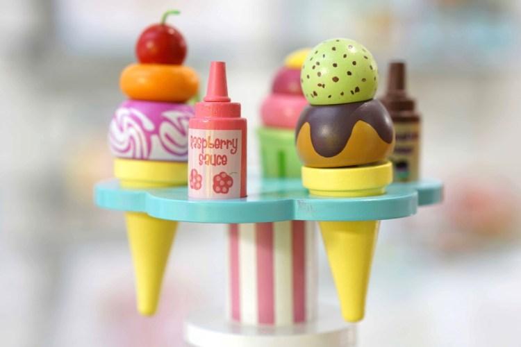 Holzspielzeug Eisständer von Le Toy Van