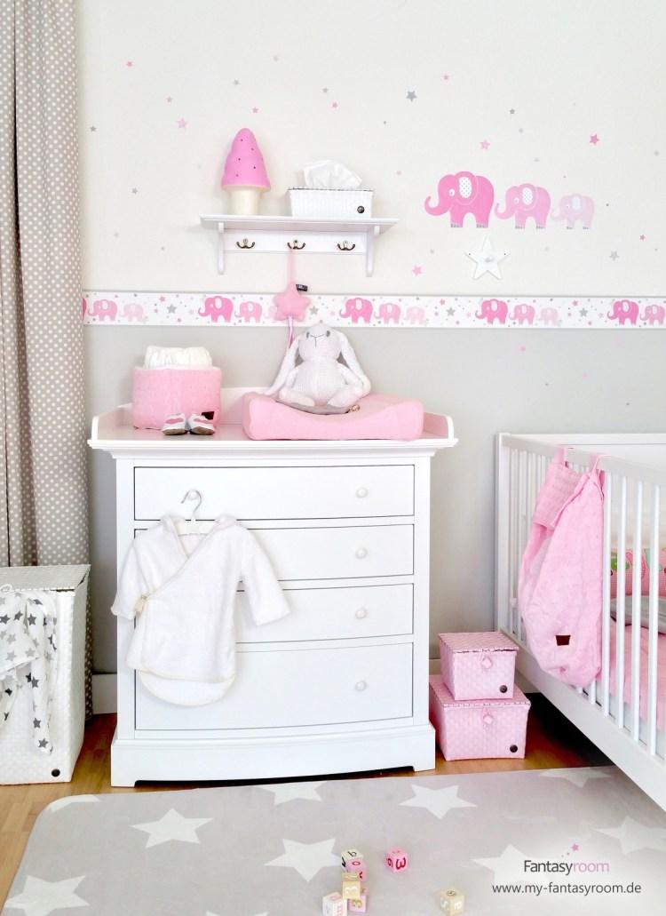 Rosa Babyzimmer von Dinki Balloon mit Elefanten Bordüre und Wandstickern