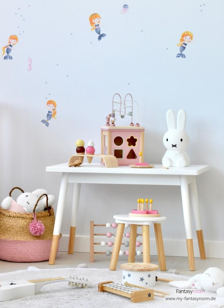 Mädchenzimmer mit Holzspielzeug von Plantoys, Little Dutch und Kids Concept
