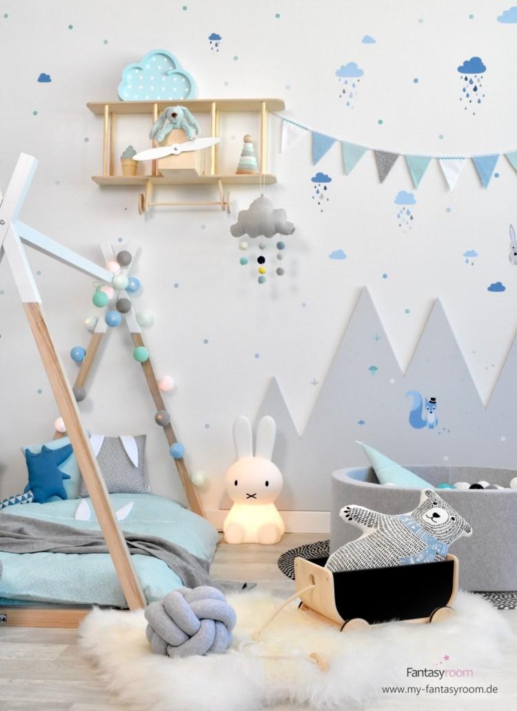 Tipibett mit Cottonballs Lichterketten und hübschen Textilien dekoriert