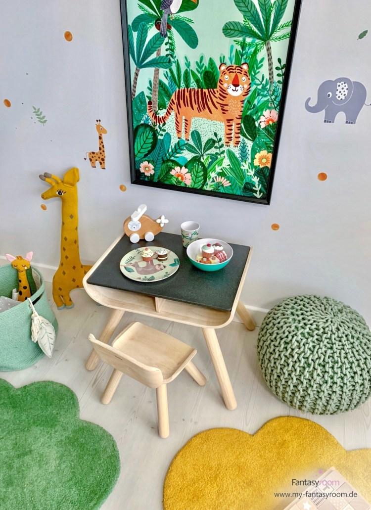 Dschungelzimmer mit Malecke und XL Poster 'Tiger' von Petit Monkey
