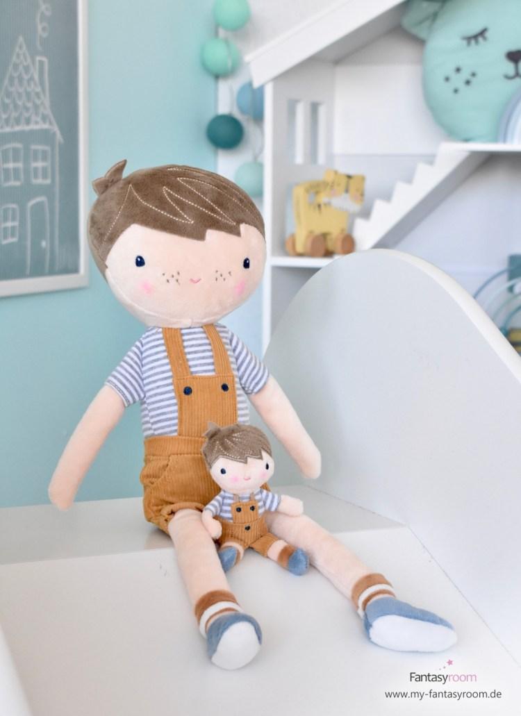 Kinderrutsche mit Stoffpuppen