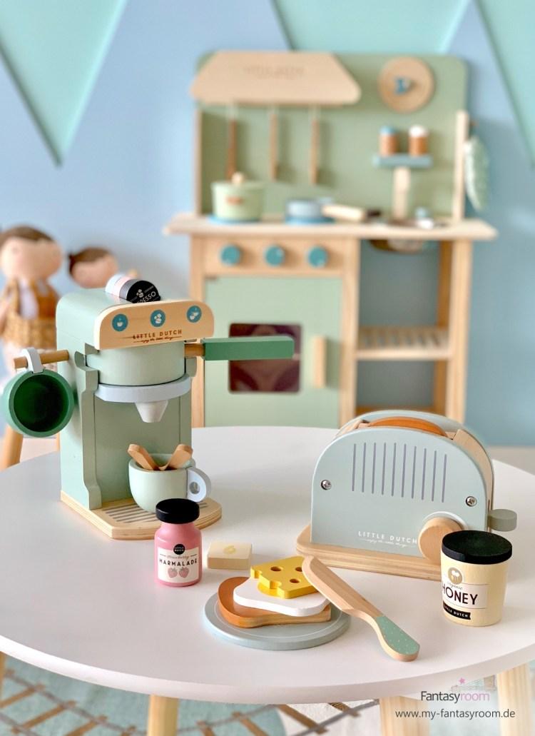 Küchen-Holzspielzeug von Little Dutch: Kaffeemaschine und Toaster mit Frühstücksteller