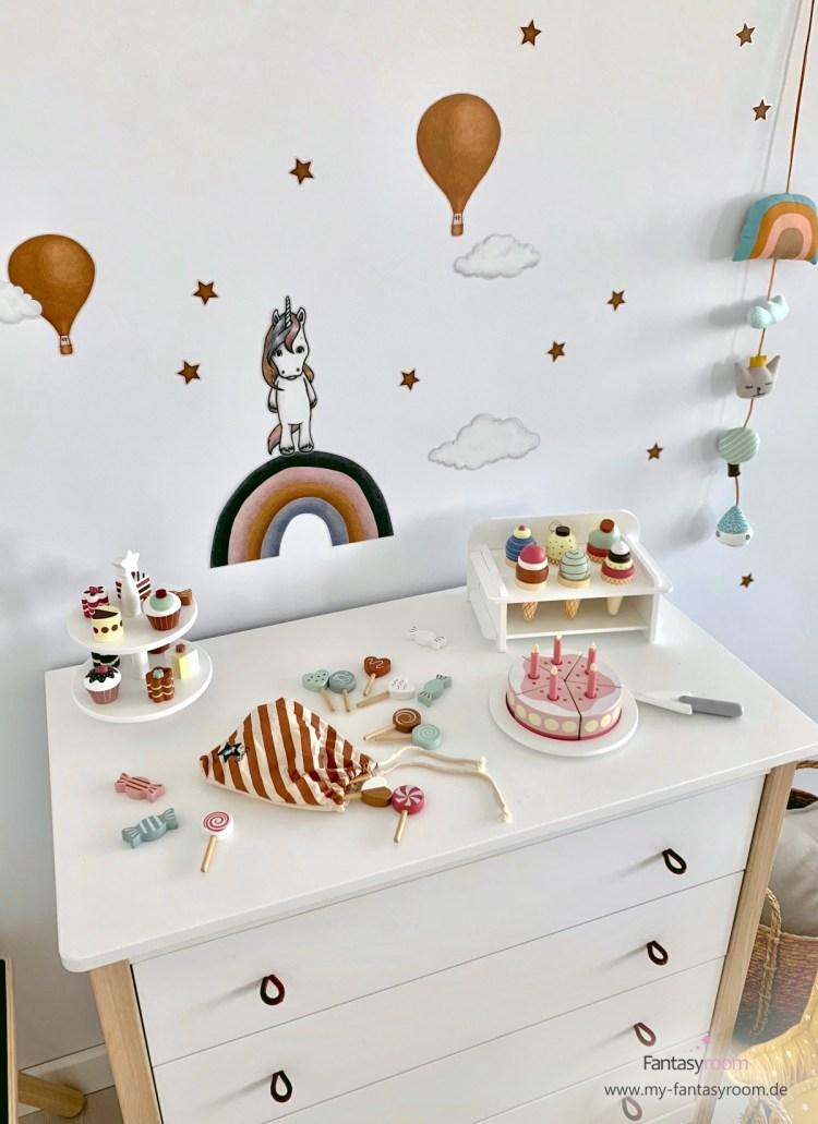 Kinderkommode mit Holzspielzeug von Kids Concept
