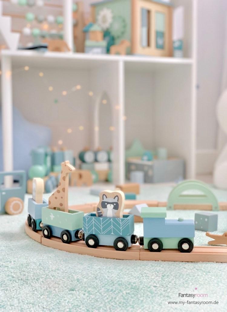 Holzeisenbahn von Little Dutch in Mint & Pastellblau