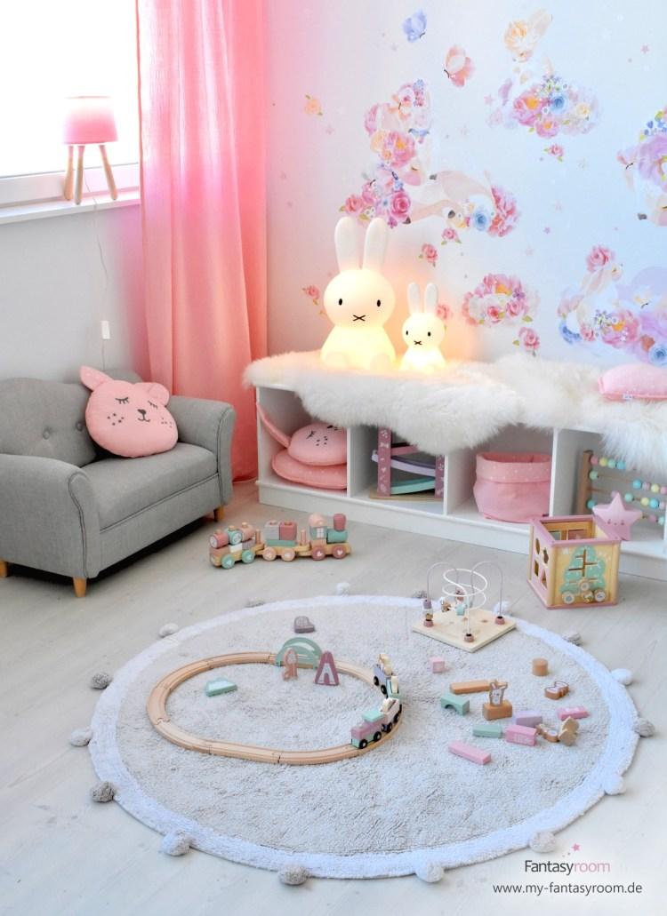 Mädchen Spielecke mit Holzspielzeug von Little Dutch