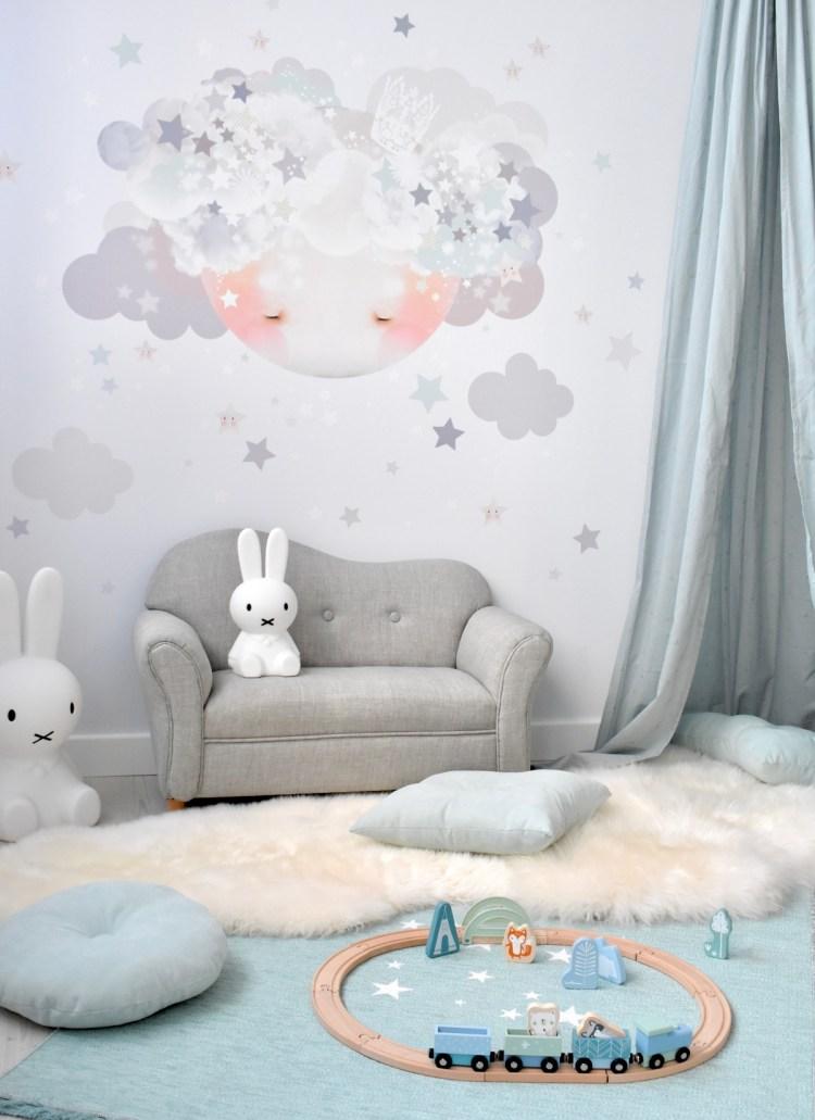 Stoff-Wandtattoo 'Mond' in grau und Jade im Jungenzimmer für Kleinkinder