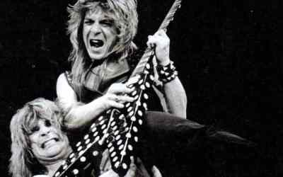 Ecoutez la version guitare isolée par Randy Rhoads de « Flying High Again » de Ozzy Osbourne