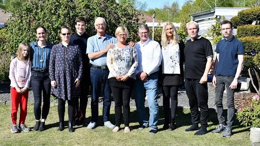 Steve (4th from right) and daughter Babs (2nd from left) with cousins and their families in Frederikssund, Denmark.