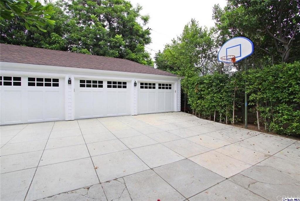The basketball hoop from the movie