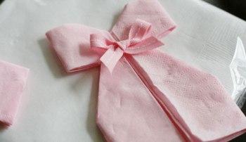 Tutoriel pour réaliser de jolies serviettes robes de babyshower