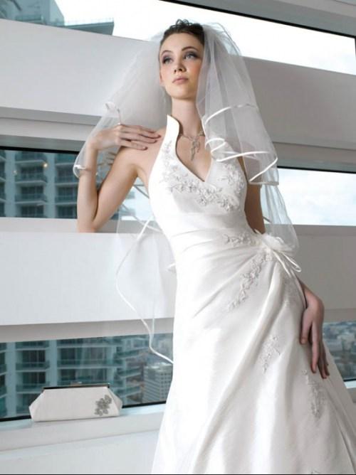 Robe de mariée col américain original