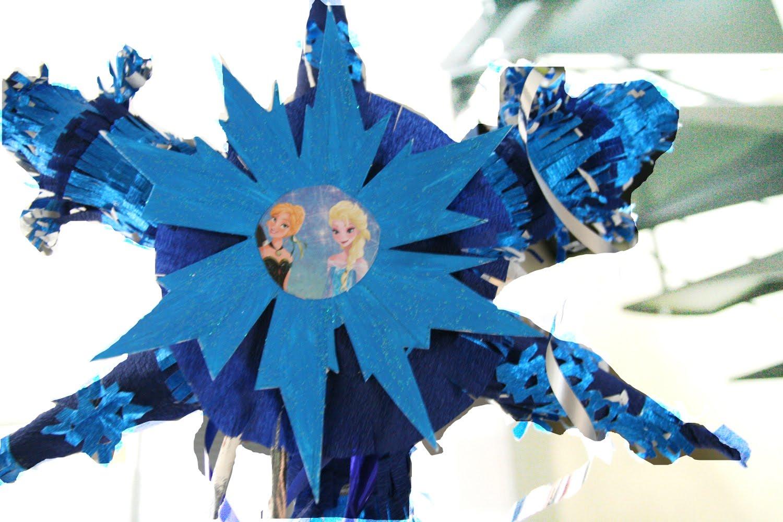 La piñata d'anniversaire Reine des Neiges