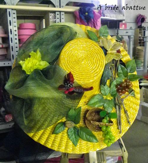Chapeau de catherinettes sur le thème champêtre et nature
