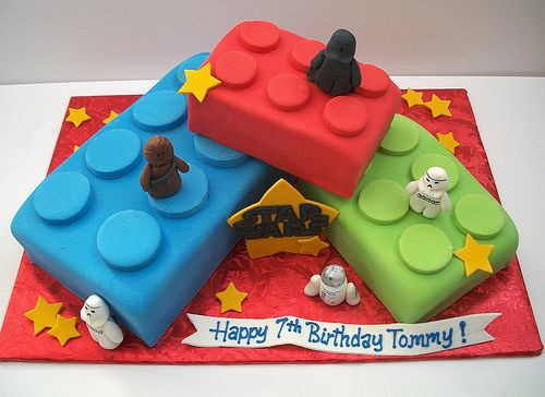 Gateau d'anniversaire lego briques