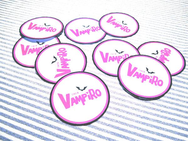 Badges de décoration de table d'anniversaire Chica Vampiro