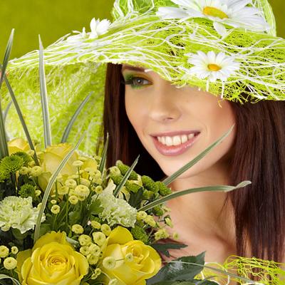 Catherinette portant un chapeau vert et un bouquet de fleurs vert et jaune