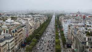 France resists EU plan banning internal combustion sales by 2035