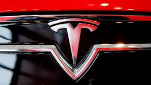 Tesla launches $199 subscription service for 'Full Self-Driving'