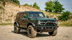 2022 Ford Bronco adds Eruption Green Metallic to color palette