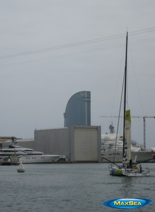 Europa Warm'Up - MACIF Boat leaving Barcelona's port