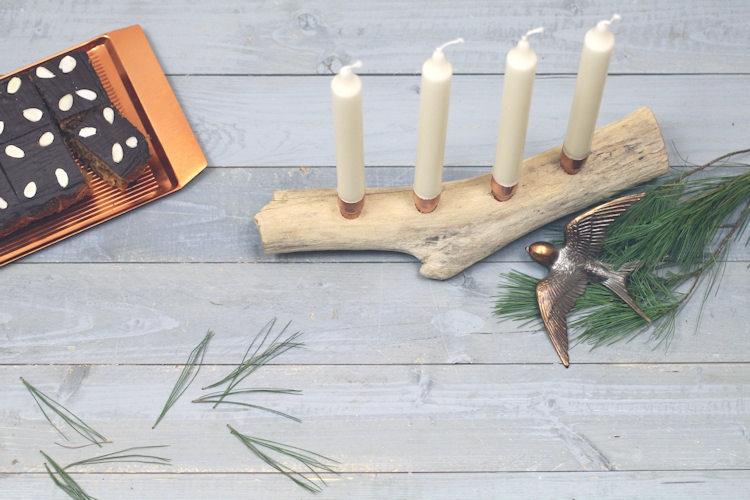 Minimalistischer Adventskranz mit Treibholz & Kupfer