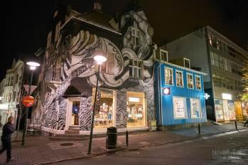 Dans une rue de Reykjavik