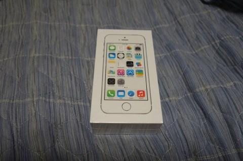 IPhone 5s シルバー 005