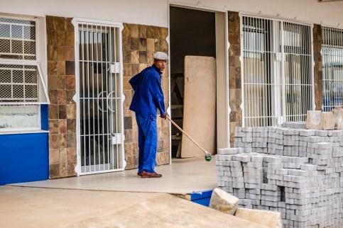 "07h58 Manzini, Swaziland | ""I'm Sweeping"" | 24hourproject"
