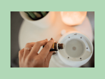 showing how to put essential oil into a diffuser