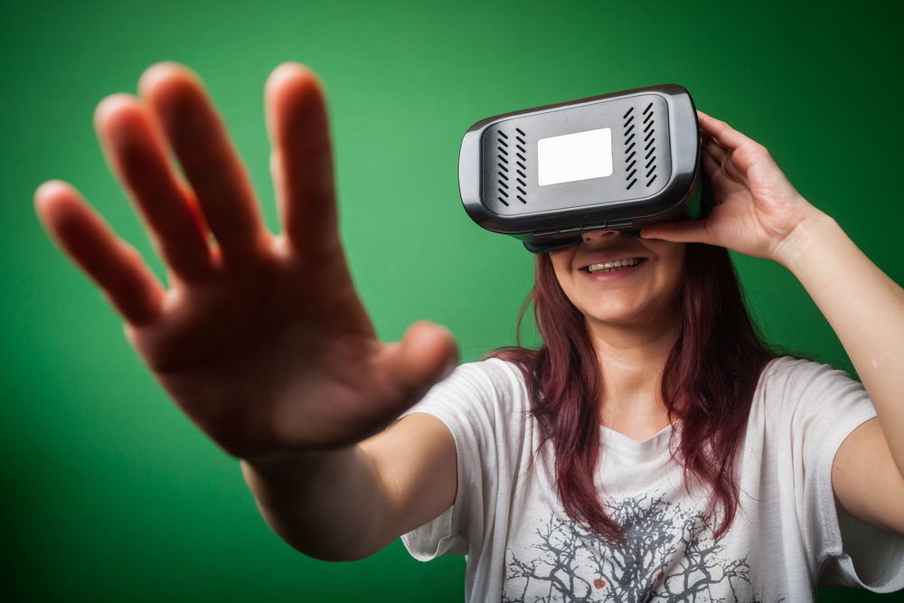 Looking Ahead: Virtual Reality Headsets and Immersive Education