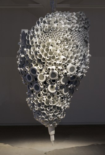 Kvasbø_Torbjørn_Cluster of Vases 2017. Porcelain. 200xD110. Photo Morten Løberg