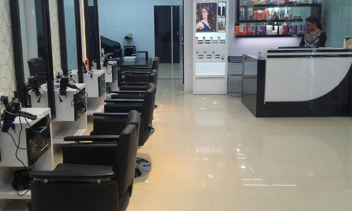 Hey Kolkata, Get Parlour Ready At This Top-Notch Salon! Any Four Services At Just INR 1799! Yayayayaya!!!