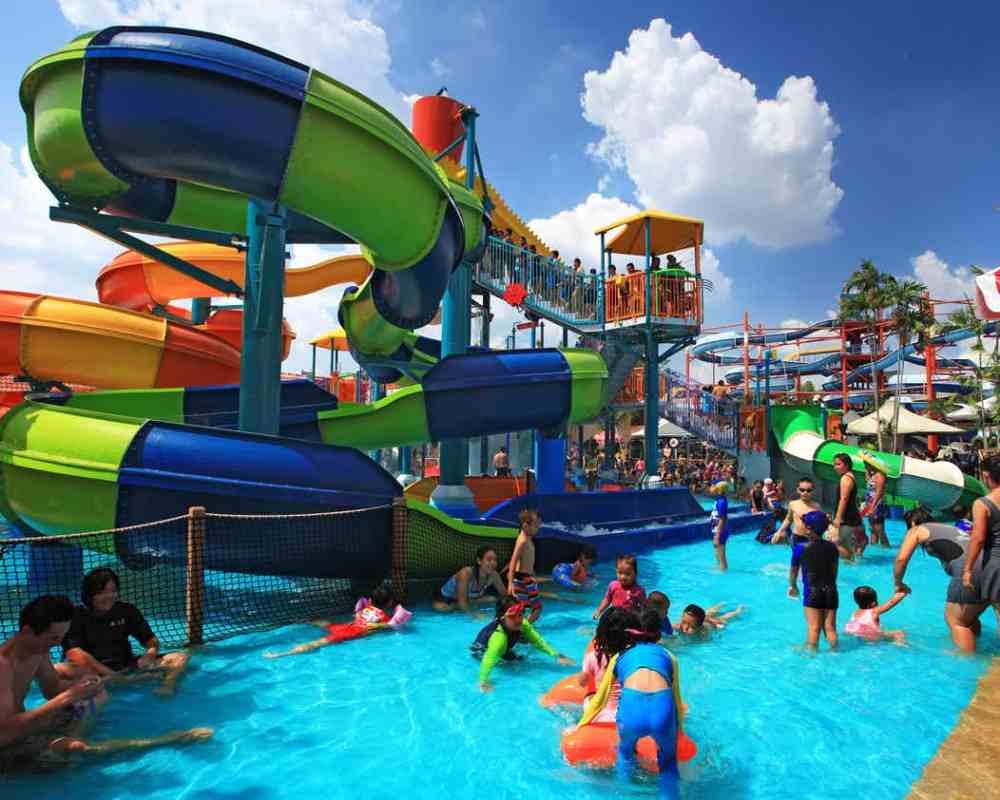 Gurgaon! Say Goodbye To Boredom And Heat In The Best Way Possible In A Water Park!
