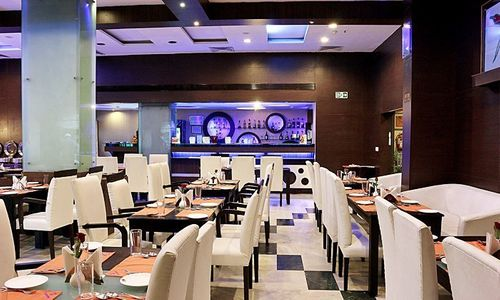 Kolkata! Set Your Food Thirst At This Restaurant With The Perfect Buffet+Drinks Offers