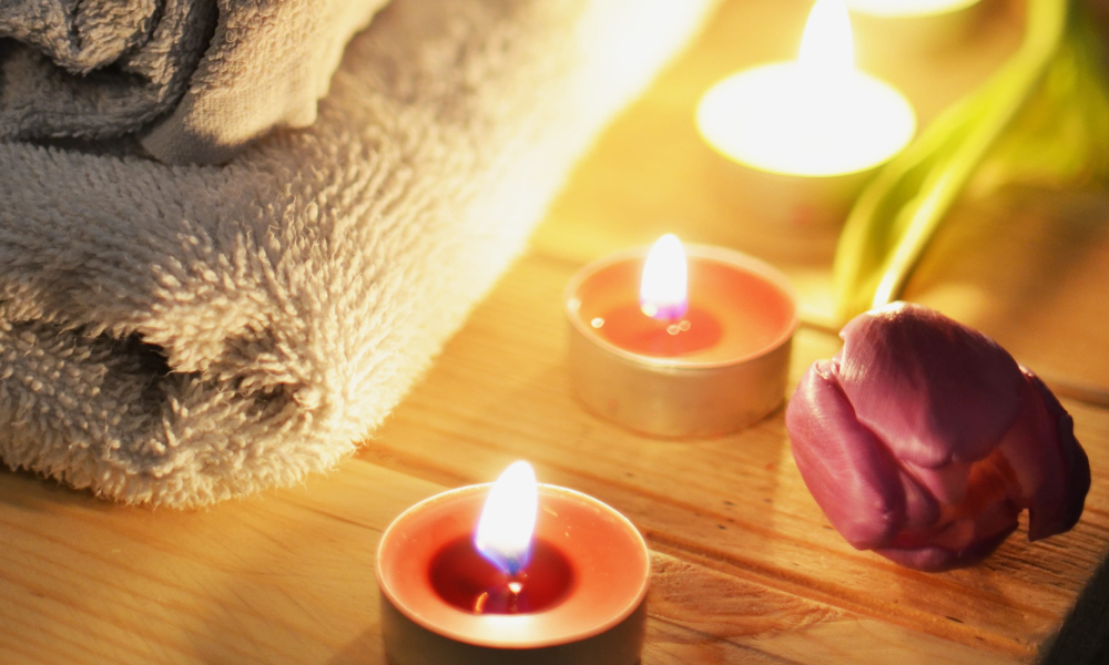 What to do on Valentines Day in India_couples massage