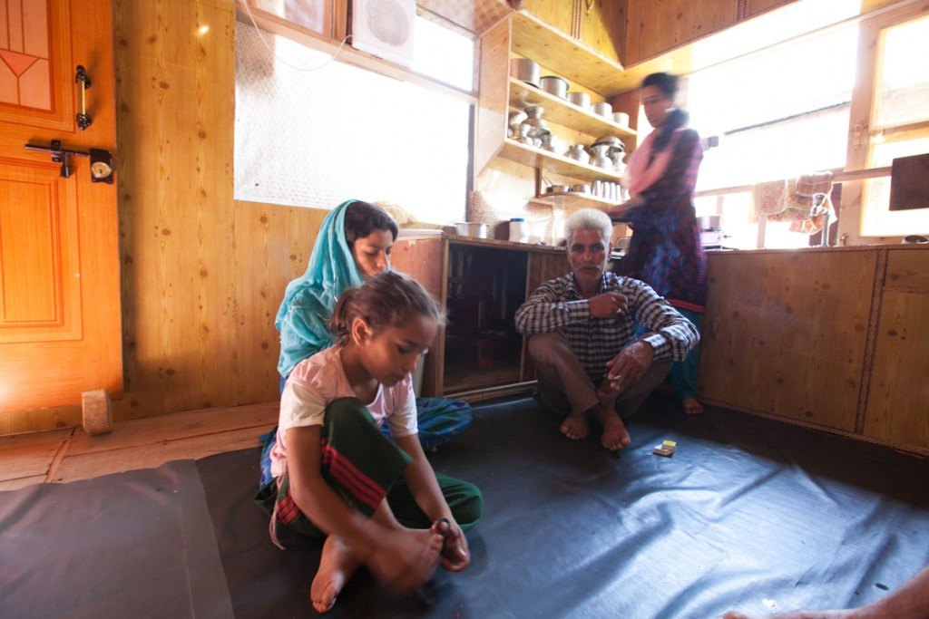 At home with Rashid Dongola and his family in Kashmir © Nelson Guda 2019